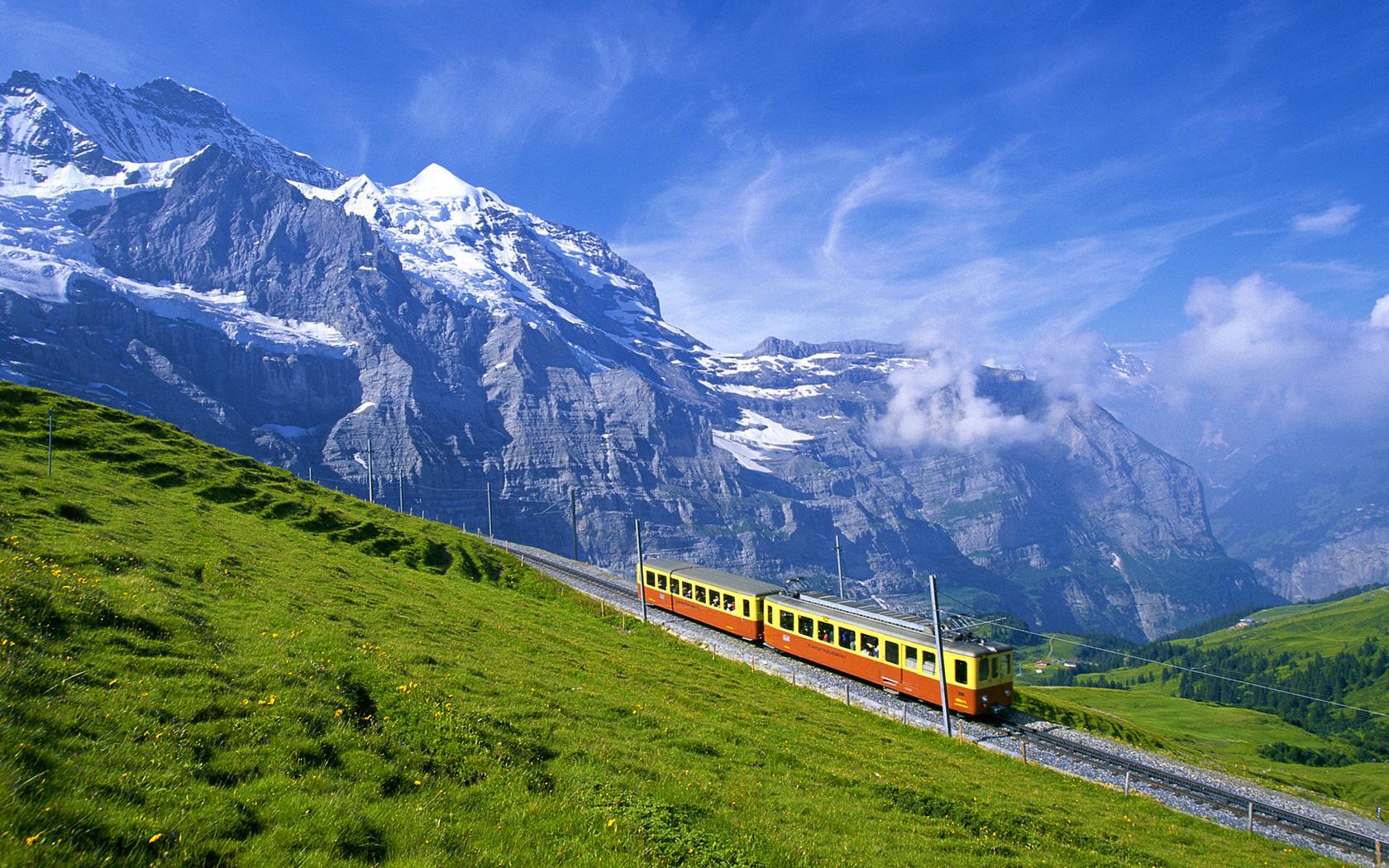 Circuitos en tren por América, Europa y Asia